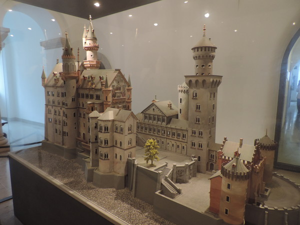 Chateau de Neuschwanstein  La Détente