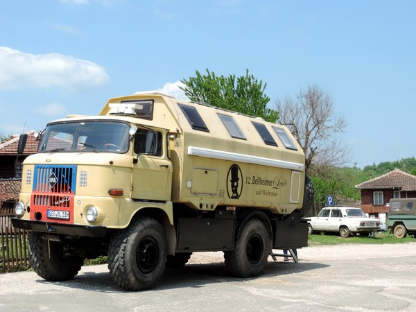 Le camping car des allemands for Garage du midi les vans